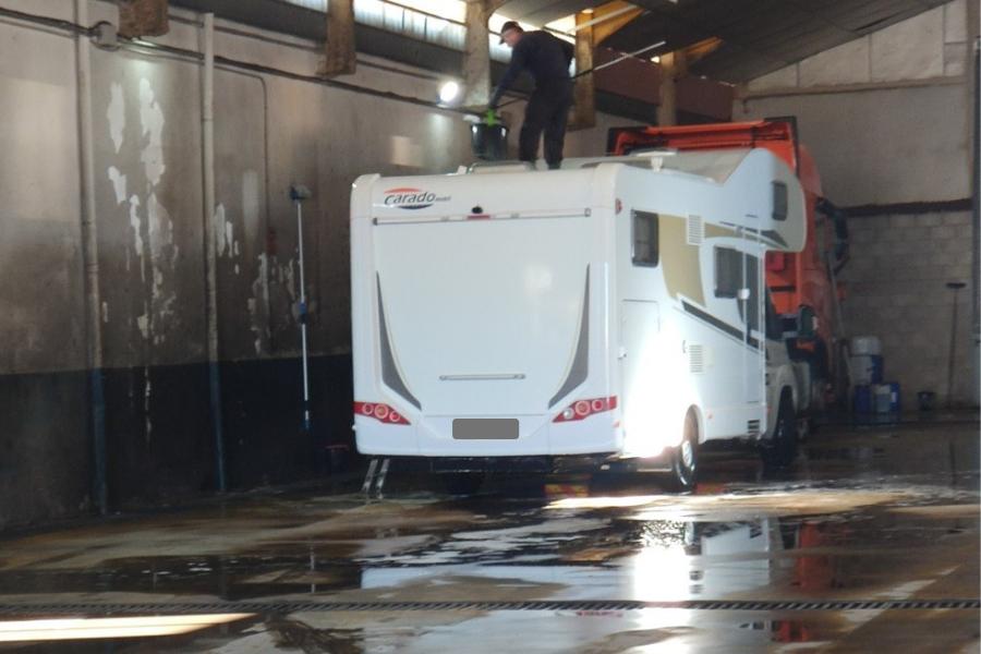 Cuidados de la autocaravana con frío en invierno - Limpieza