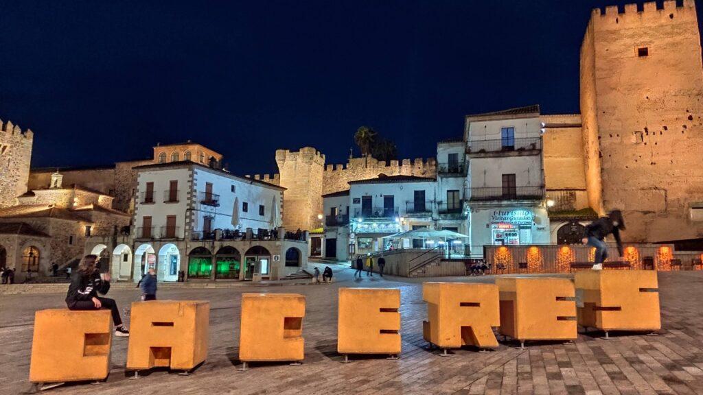 Extremadura en autocaravana - Plaza Mayor de Cáceres